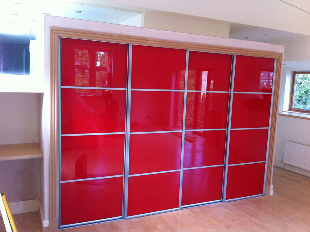 Red sliding door system