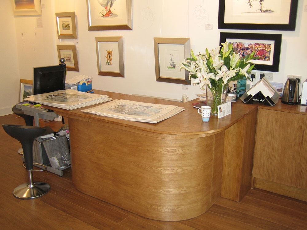 Shopfitting reception desk in oak